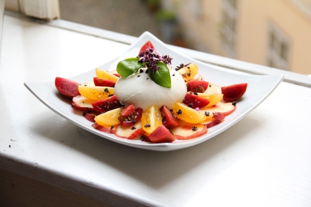 Healthy and Peachy Summer Salad