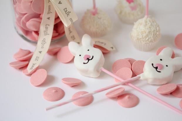 Hippity Hop Easter Bunny Cake Pops